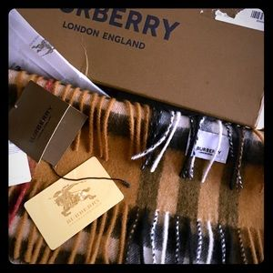 Burberry Caramel Plaid🧣😉UNISEX!Made 🇮🇹loaded🎁